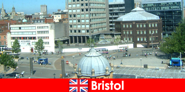 Sightseeing in the city of Bristol in England for traveling vacationers