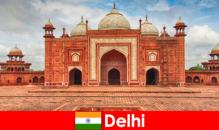 Travelers can find the best sights in India in Delhi