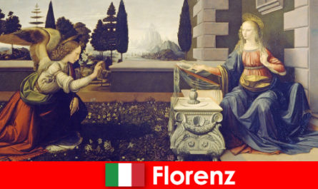 Tourists know the cultural importance of Florence for the visual arts
