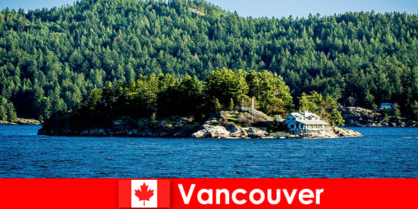 For foreign tourists, relaxation and immersion in the beautiful natural landscape of Vancouver in Canada