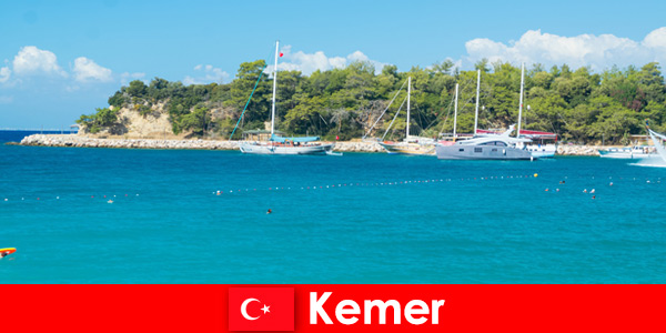Boat tour and hot parties for young vacationers in Kemer Turkey