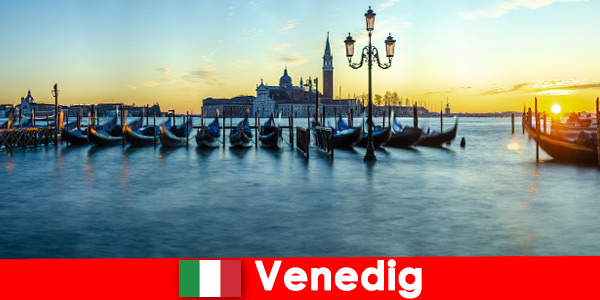 Dreamy honeymoon for couples in the floating city of Veni-ce Italy