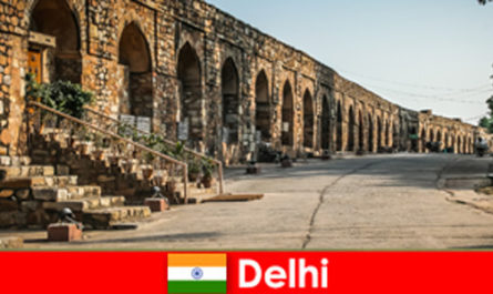 Private tours of the city of Delhi India for interested culture vacationers
