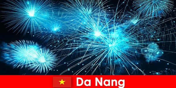 Da Nang Vietnam tourists experience breathtaking fire shows at dinner